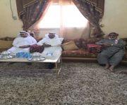 مدير عام  الشئون الصحية بالقصيم يزور الشيخ ابن حماد  في منزله في ضيدة للأطمئنان على صحته