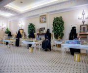 سمو الأمير فيصل بن مشعل يتسلم تقريراً عن الجودة وقياس الأداء لمجلس فتيات القصيم