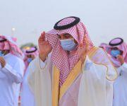 محافظ البكيرية يؤدي صلاة العيد ويستقبل المهنئين ويشارك الأهالي فرحتهم