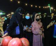 وفد من مركز الأمير  سلطان لطب وجراحة القلب يزور مهرجان رمان القصيم الخامس بالشيحية